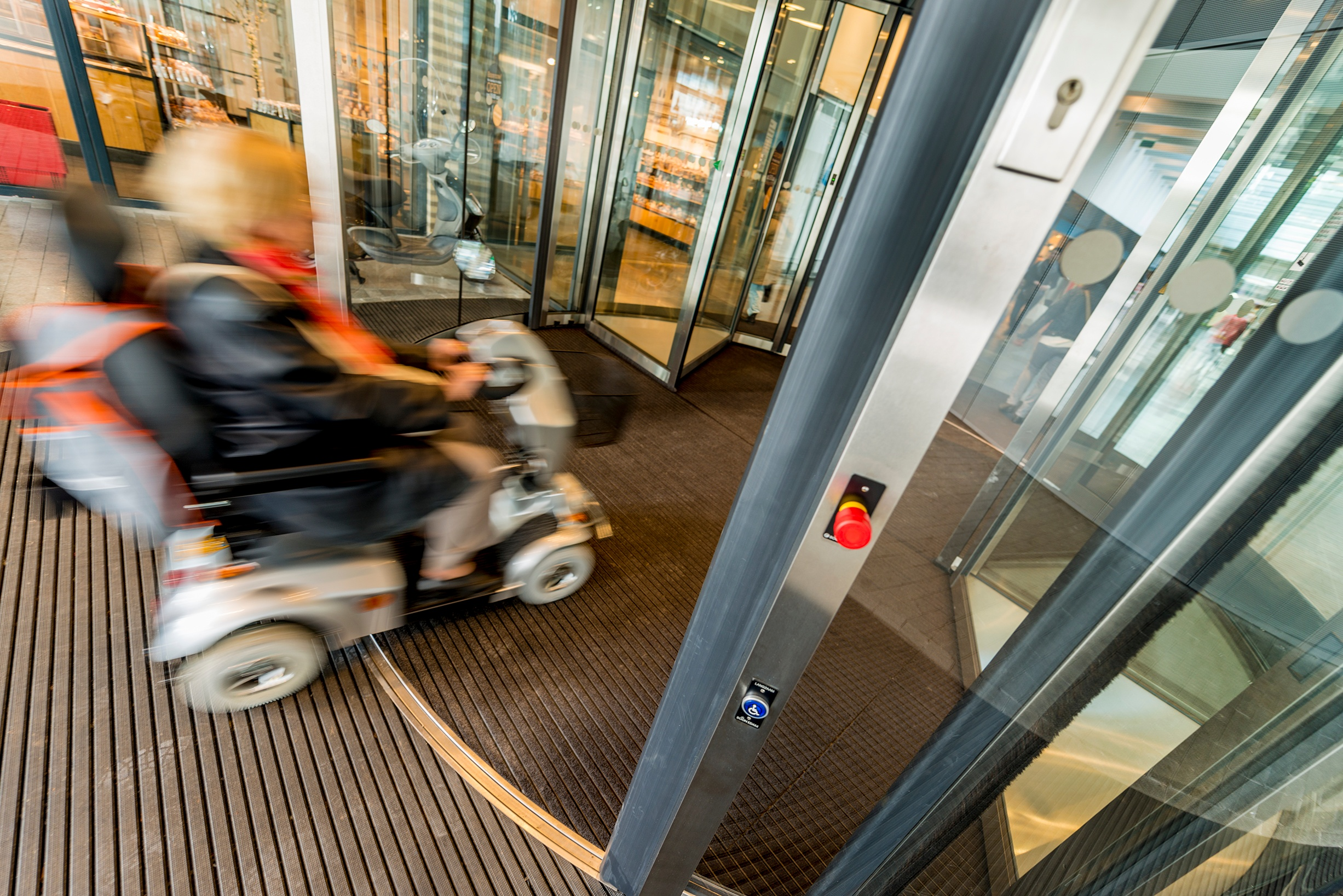 Met EN 16005 een veilige automatische deur voor iedereen | Boon Edam